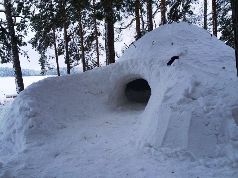 Lumikammimme edusti kaunista linnoitusmaista arkkitehtuuria.