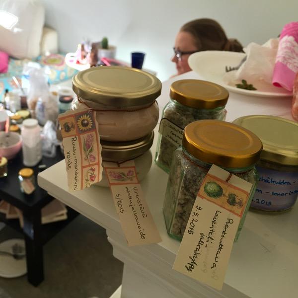 Itsevalmistettuja kosmetiikkatuotteita