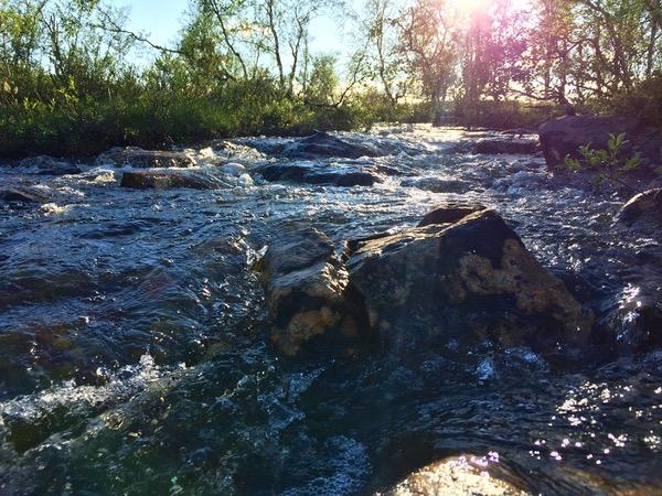 Virtaavat vesi Utsjoen retkeilyreitillä